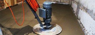 доводка стяжки дисковой машиной по бетону