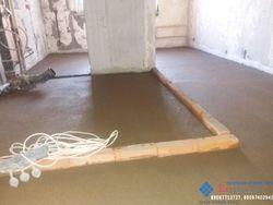 Полусухая стяжка вручную в панельном доме